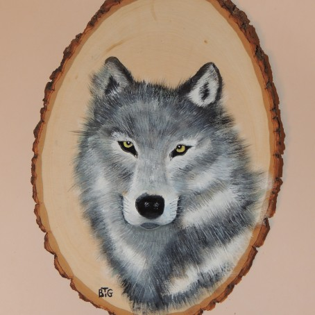 wolf on basswood 004